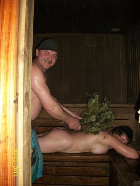 Соседка в бане на даче 2